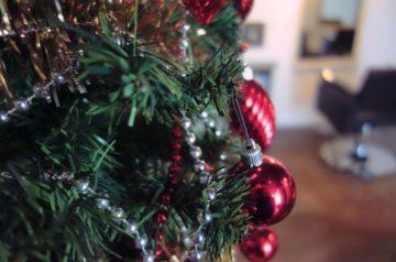 三軒茶屋にある美容室・美容院 aW HAIR のクリスマスツリーの画像